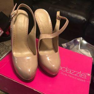 New Shoe Dazzle heels. never worn